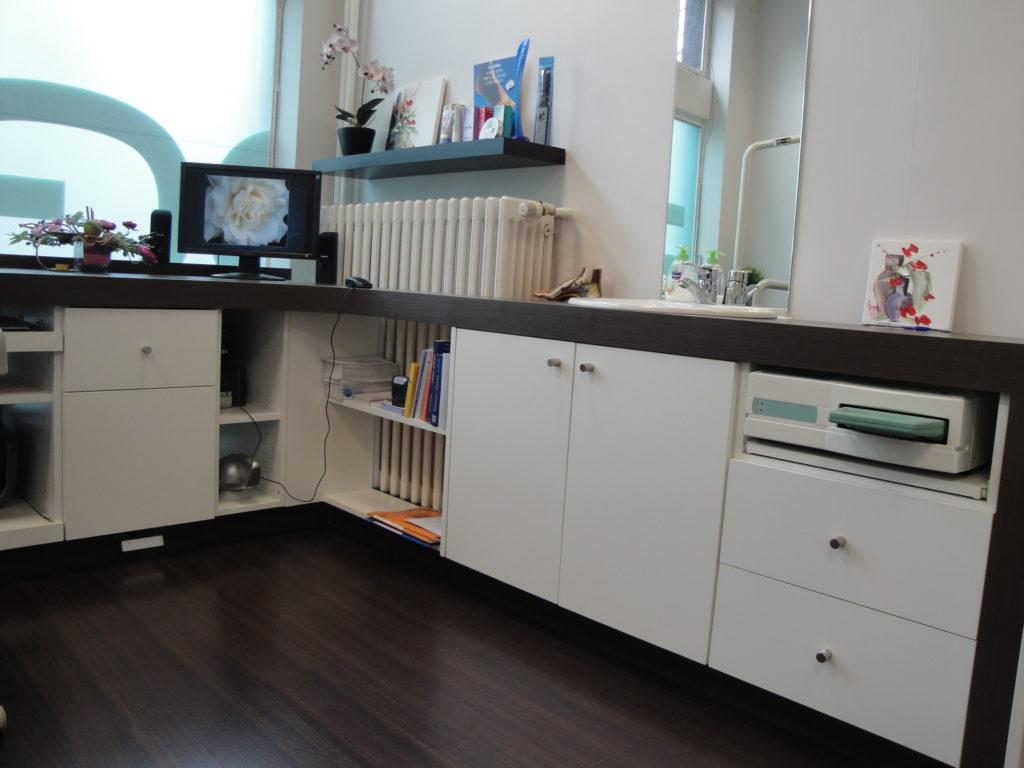 l 39 agencement de votre cabinet m dical et dentaire avec l 39 entreprise dma. Black Bedroom Furniture Sets. Home Design Ideas